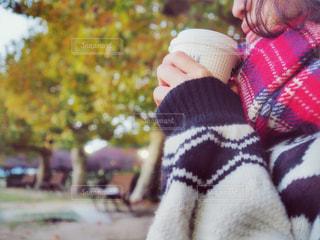 コーヒーを飲む女性 - No.873302