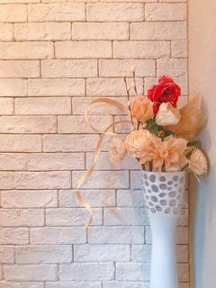 インテリア,花瓶,薔薇,壁,フラワーアレンジ,レンガ風