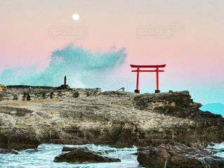 満月と鳥居の写真・画像素材[950906]