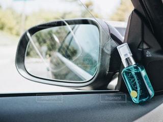 車のサイドミラーとL'air De SAVONの写真・画像素材[1154473]