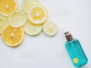 ライムとオレンジとL'air De SAVONの写真・画像素材[1159948]