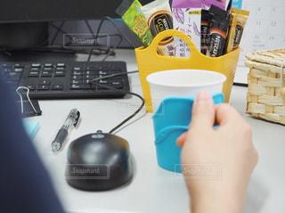 オフィスでカフェ気分の写真・画像素材[1280773]