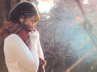 公園とマフラーと女の子の写真・画像素材[1652414]