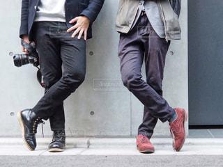男性2人の足元フォトの写真・画像素材[1821230]