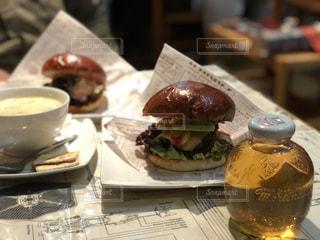 ハンバーガーの写真・画像素材[985392]