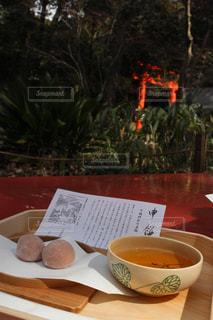 名物申餅と鳥居の写真・画像素材[1047096]