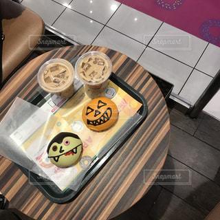 近くにストーブの上に食べ物のアップの写真・画像素材[869079]