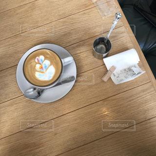木製テーブルの写真・画像素材[929223]