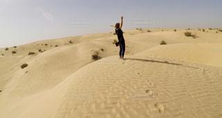 自然,空,人物,リラックス,砂漠,ラクダ,女子旅,海外旅行,ドバイ