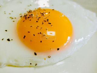 朝は目玉焼き🍳の写真・画像素材[1853179]