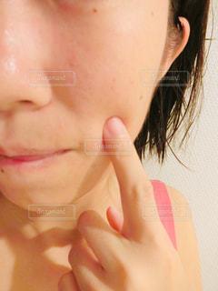 女性のクローズアップの写真・画像素材[2307370]