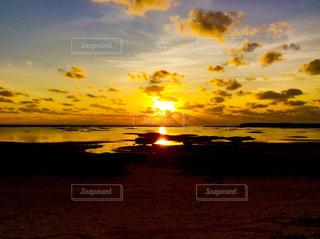 自然,風景,空,太陽,ビーチ,夕暮れ,海岸,反射,光,夕陽,久米島,シンリ浜