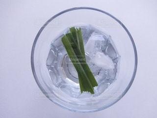飲み物,インテリア,水,氷,ガラス,コップ,食器,ドリンク,ライフスタイル,素材,湧き水,レモングラス,フォトジェニック,インスタ映え,素材写真