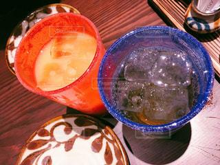 食品とオレンジ ジュースのガラスのプレートの写真・画像素材[1881072]