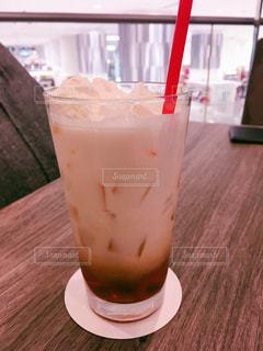 飲み物,カフェ,茶色,クリーム,ストロー,紅茶,cafe,ドリンク,ベージュ,ミルクティー,ミルクティー色