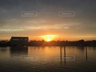 風景,空,夕日,太陽,夕暮れ,スカイツリー,川,光