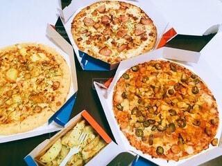 食べ物,飲み物,料理,出前,フライドポテト,ポテト,宅配,テイクアウト,ピザ,デリバリー,お持ち帰り