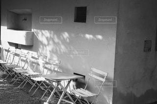 白い壁の部屋の写真・画像素材[822942]