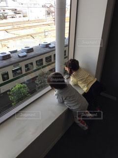 子ども,電車,後ろ姿,子供,女の子,人物,人,後姿,鉄道博物館,男の子,PassMe