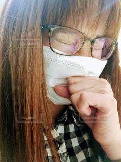 マスクをしている女性の写真・画像素材[1082471]