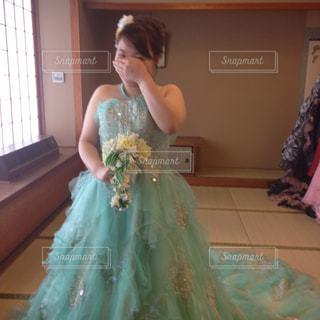 ウェディング ドレスを着た女性の写真・画像素材[825687]