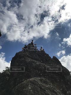 山の上、心地よい風の写真・画像素材[796606]