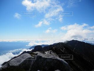 雪に覆われた山の写真・画像素材[787555]