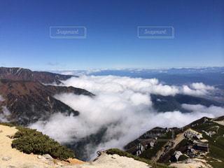 雪の覆われた山々 の景色 - No.788468