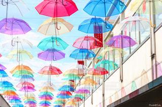 カラフルな傘の写真・画像素材[773041]