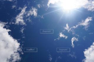青い空に雲の写真・画像素材[712158]