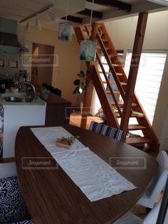 キッチン,リビング,ダイニング,ダイニングテーブル,スケルトン階段