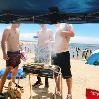 ビーチの人々 のグループの写真・画像素材[1321274]