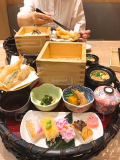 食品の完全なテーブルの写真・画像素材[1466006]