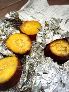 お外で焼き芋食べました。の写真・画像素材[1806340]