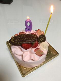 かわいいピンクのお誕生日ケーキの写真・画像素材[1804230]