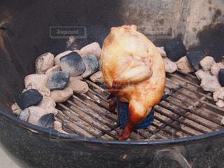 グリルの上に食べ物のパンの写真・画像素材[1231910]