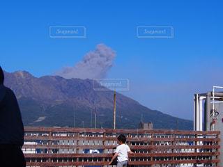 自然,後ろ姿,後姿,少年,男の子,桜島,噴火