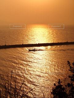 夕日の写真・画像素材[937572]