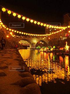 夜ライトアップ橋の写真・画像素材[937587]