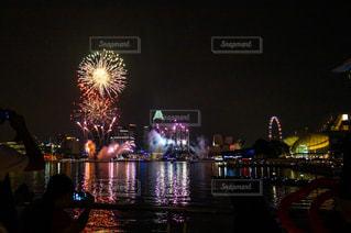 風景,夜,夜景,屋外,花火,暗い,都会,ライトアップ,シンガポール,港,景観