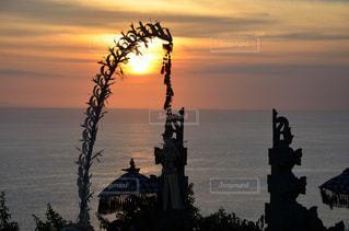 インド洋に沈む夕陽の写真・画像素材[983171]