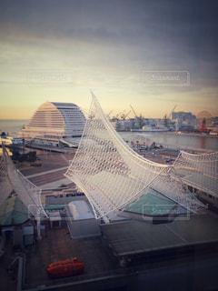 静かにむかえる神戸海洋博物館の写真・画像素材[786587]