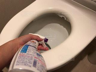 トイレ掃除の写真・画像素材[828090]