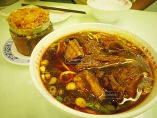 食べ物,料理,台湾,台北,おこわ,牛肉麺,永康街,粉蒸排骨,永康牛肉麺,紅焼牛肉麺