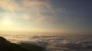 一面に広がる雲海と朝日の写真・画像素材[913556]