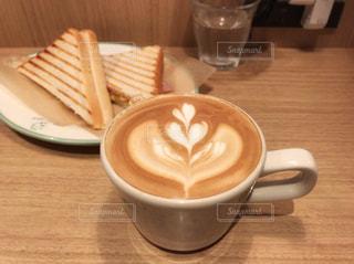 カフェでひと息の写真・画像素材[955559]