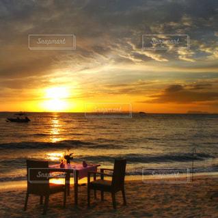 リゾートの夕焼けの写真・画像素材[979322]