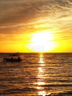小舟と夕陽 - No.979328