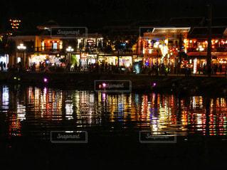 夜の街の景色の写真・画像素材[1218322]