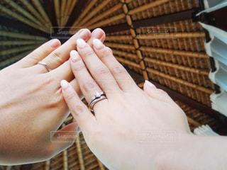 手,指輪,結婚,未来,リング,幸せ,マリッジリング,バリ島,夢,幸福,新生活,ポジティブ,希望,目標,ウェディング,可能性,海外ウェディング,マリッジ,ガゼボ